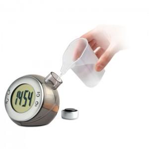 Vízzel működtetett LCD óra
